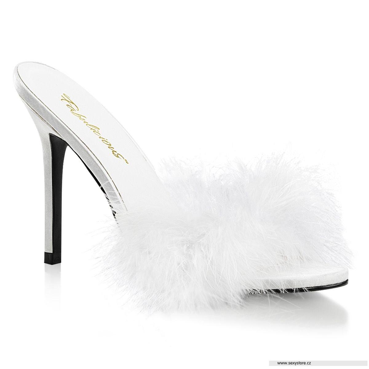 38de2108bd08 Bílé pantofle s chmýřím CLAS01F WPU-F